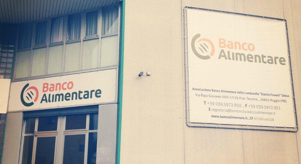 Visita allo stabilimento milanese di Banco Alimentare, si impara tanto, dovrebbero venirci tutti almeno una volta nella vita